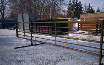 31 ft freestanding 6 bar corral panels with 8 ft base pipe